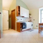 Casa Vacanze Fusina – Dogliani (Langhe – Piemonte ) Alloggio Valdibà: cucina-soggiorno